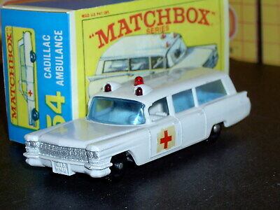 Matchbox Lesney Cadillac Ambulance 54 b1 decal flat base SC1 V/NM crafted box