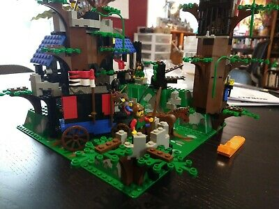 LEGO Castle Dark Forest Fortress (6079) - used, out-of-box, missing blue feather