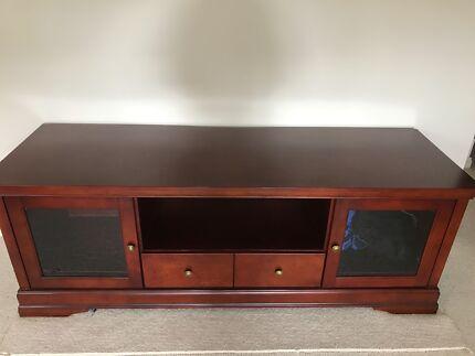 TV Cabinet Excellent Condition - Size 185cm (L) 58cm (W) 67cm (H)