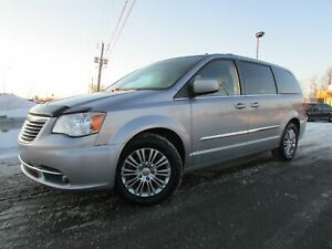 2013 Chrysler Town & Country Touring-L V6 3.6L A/C  7 PASS BLUET