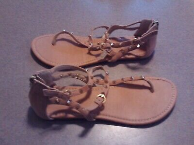 Charlotte Russe Casual/Dressy/Flat Flip Flop/Thong Sandals/Shoes-Studded/Tan 9