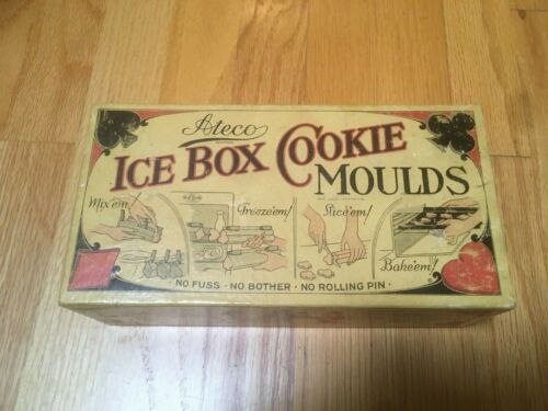 Vintage Ateco Ice Box Cookie Moulds with Box, Heart Diamond Spade Clover