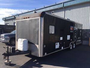 Roulotte 2004 Campmaster Toy Hauler 28'