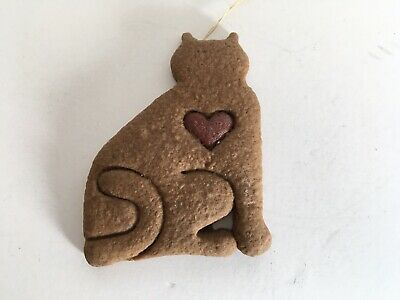 Vintage Cat Outline Ornament With Red Heart