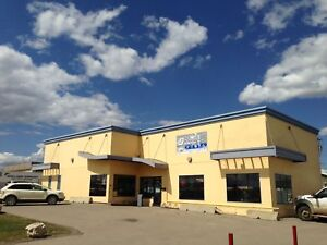 LARGE SPACE WITH GREAT EXPOSURE FOR LEASE