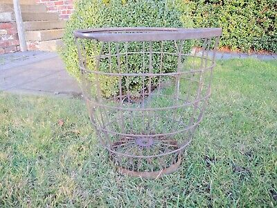 Vintage  Metal Wire Apple Picking  Basket   (1122)