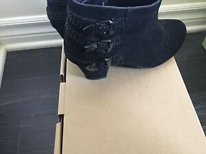 Black Ardenne boot size 8.5