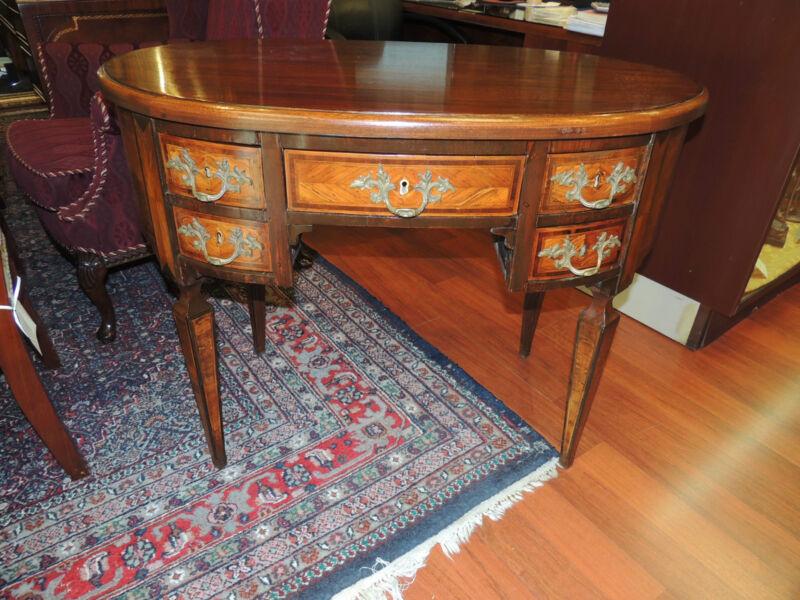Turn-of-the-Century French Writing Desk small oval walnut tulipwood veneer
