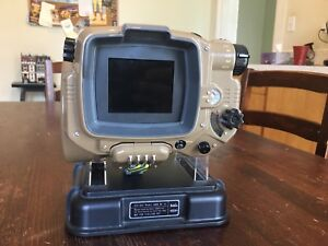 Fallout 4 Collector's Edition Pip-Boy