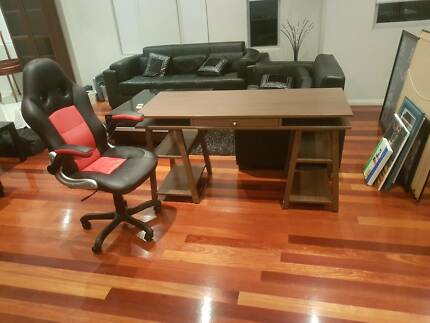 computer desk and chair $55 negotiable