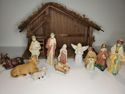 Traditions 11 Piece Porcelain Nativity Set Christmas. Stable included.