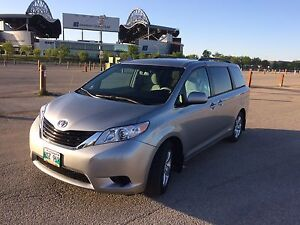 2014 Toyota Sienna LE, great family car,lowest price in Canada