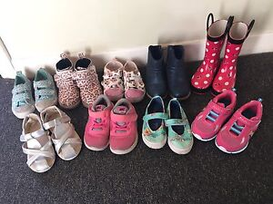 Girls Shoes Size 8 & 9 Beresfield Newcastle Area Preview