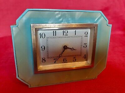 VINTAGE ART DECO GREEN MARBLE EFFECT PLASTIC CLOCK