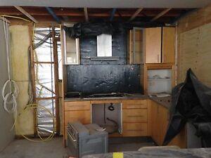 Kitchen Appliances, Stone Benchtop, Slumped Glass Splashback Maroochydore Maroochydore Area Preview