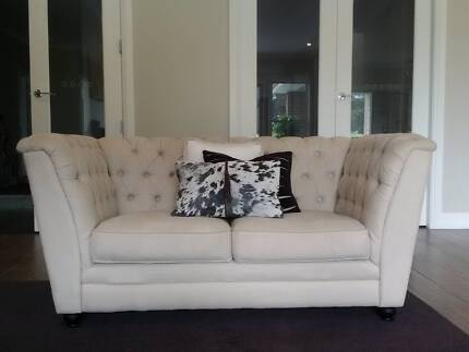 Cream 2 Seater Fabric Chesterfield Lounge
