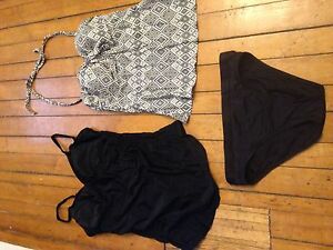 Maternity bathing suits size small