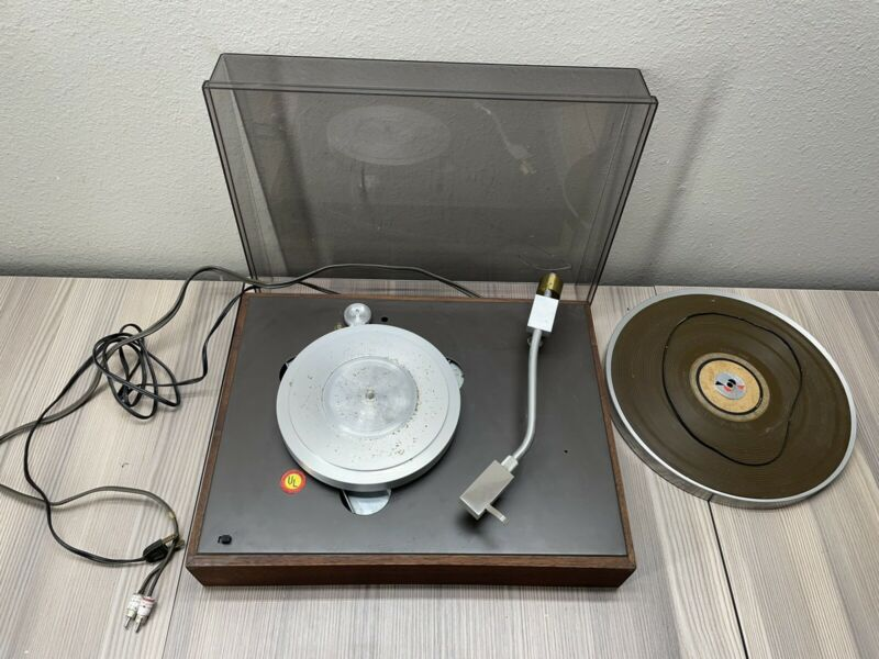 READ DESCRIPTION Acoustic Research AR-XA Turntable With Stanton 500 Cartridge