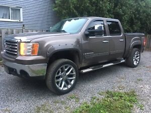 2007 GMC Sierra extremely good condition