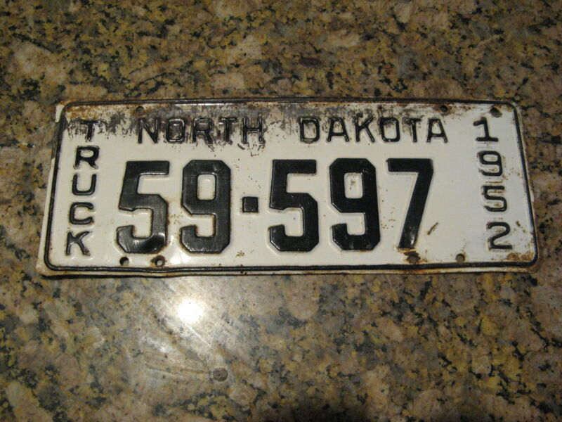 1952 52 NORTH DAKOTA ND TRUCK TRK LICENSE PLATE #59-597