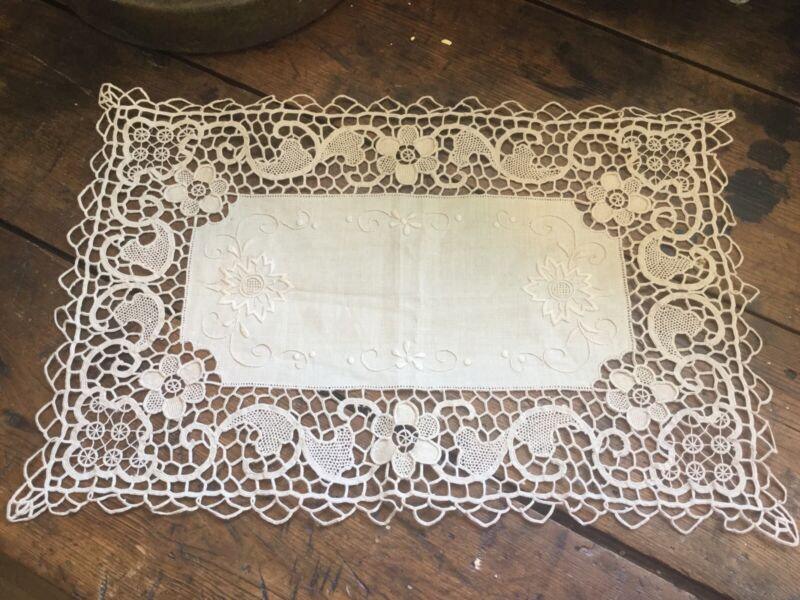 Antique Vintage Lace & Linen Runner Doily Needlework Flowers Floral Motif Ecru