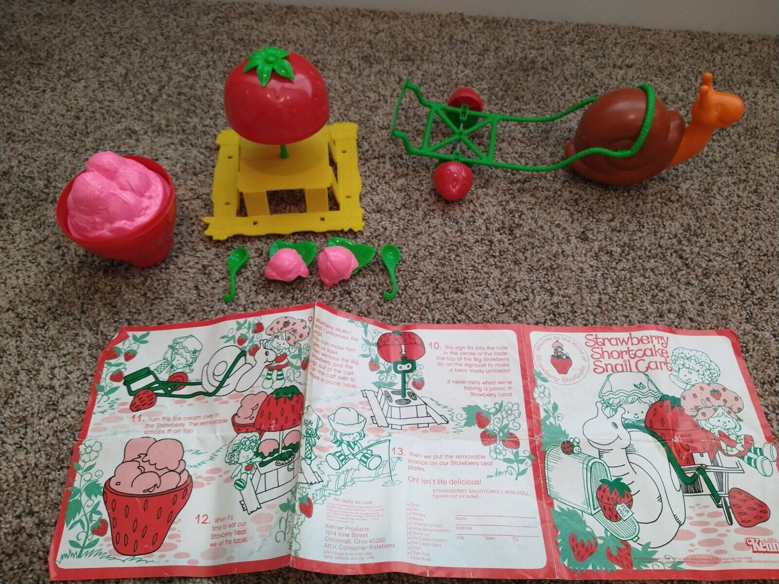 Vintage STRAWBERRY SHORTCAKE Snail Cart - Accessories And Directions 1980s - $18.00
