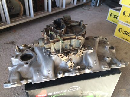 Chev intake manifold and carby
