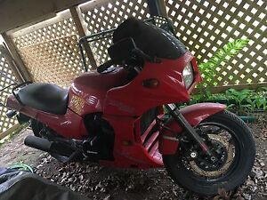 Kawasaki ninja 900 1985 (top gun edition)