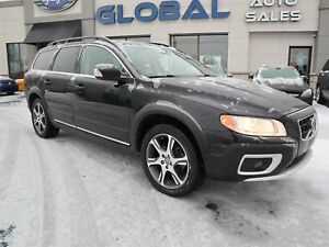 2013 Volvo XC70 T6 Platinum AWD SUNROOF HEATED SEATS.