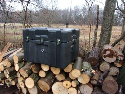 ZERO PLASTICS MILITARY STORAGE CONTAINER 24 x 25 x 19 CASE BOX  US ARMY SURPLUS