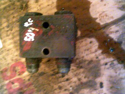 Farmall 504 Rowcrop Tractor Ih Ihc Rear Small Hydraulic Control Block