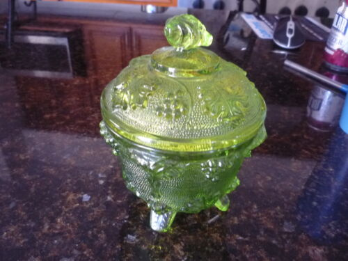 Vintage Jeanette Glass Candy Dish With Lid Four Footed Blue & Green Grape Leaf