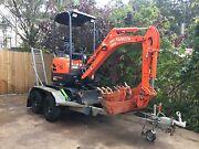 Mini excavator hire Merrimac Gold Coast City Preview