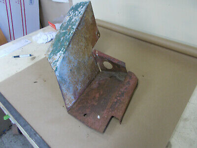 John Deere Mt Right Foot Rest Am932t