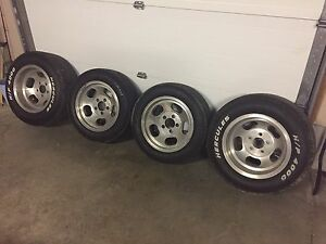 Classic slot rims and tires