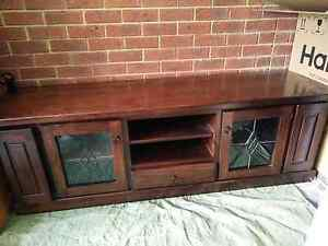 Solid wood TV entertainment unit with CD holders (good condition) Ormond Glen Eira Area Preview