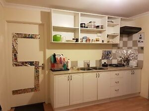 1 Bedroom for rent - female house Close to Clarkson Train Station Clarkson Wanneroo Area Preview