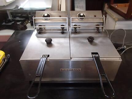 Twin deep fryer - Bench model