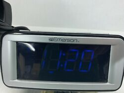 Emerson SmartSet CKS9031 digital dual alarm clock AM/FM RADIO, blue LED -S45