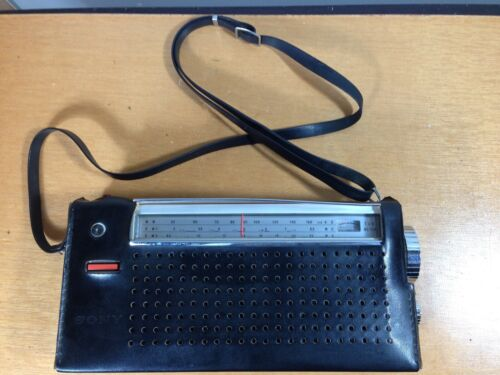 SONY MW/SW1/SW2 Portable Radio W/Protective Cover Model No,TR-837, Excellent.