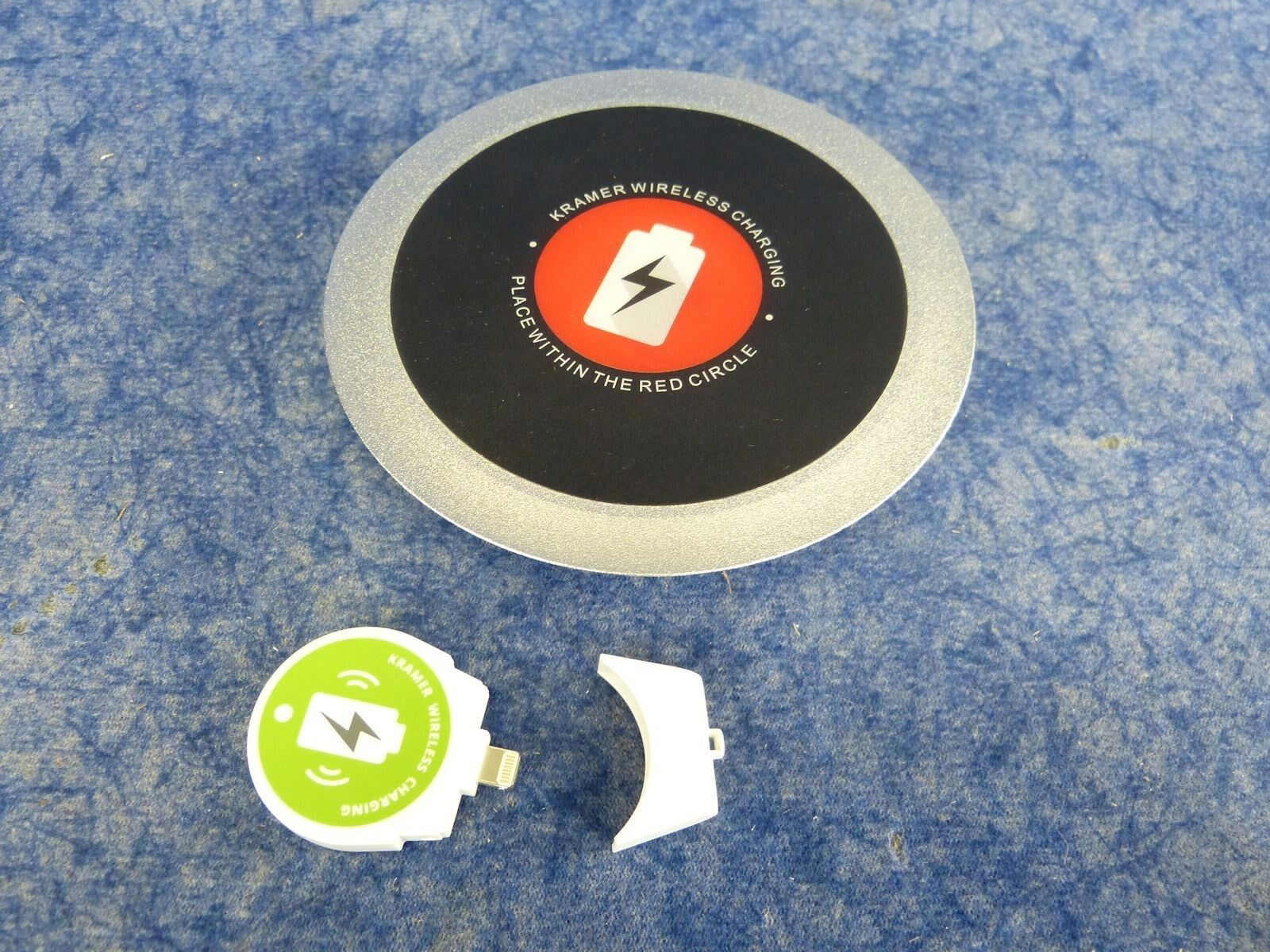 Kramer KWC-1(BC) Wireless charging spot with Lightning port adapter