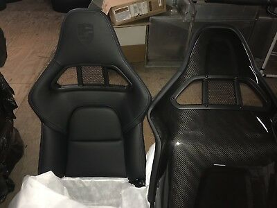 GT2 CARBON FIBER SPORT BUCKET SEAT
