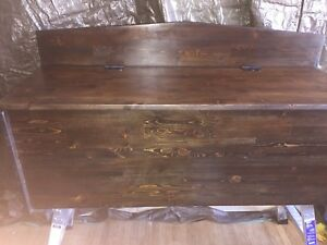 Wood Chest with lid stays