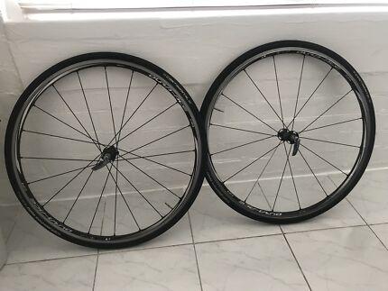 Shimano 11 speed c24 carbon wheel set