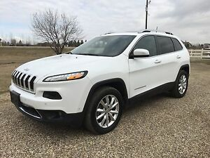 2016 Jeep Cherokee Limited SUV,AWD V6 FInancing! Trades?