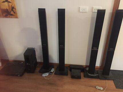 Panasonic sound system, 5 speakers & Sub Woofer