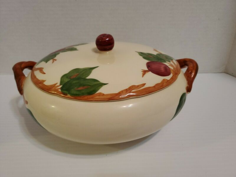 Franciscan Apple Covered Vegetable Casserole Bowl California