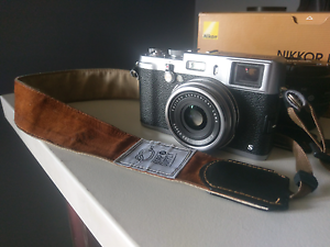 Almost New Fujifilm X100s in box Lots Of extras Englorie Park Campbelltown Area Preview