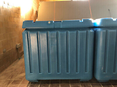 New Poly Box Insulated Food Service Container 30 Cu. Ft. For Shipping Storage