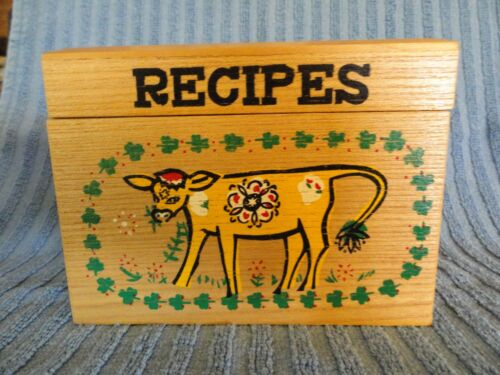 Vintage Painted Wood Recipe Box painted cow with shamrocks MINT